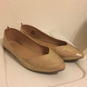 Old navy gold point tie flats